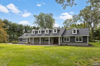 Franklin Lakes Single Family Home For Sale: 320 Long Bow Drive