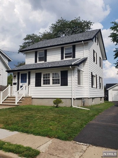 Teaneck Single Family Home For Sale: 309 Pleasant Place