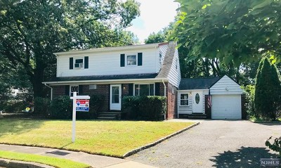 Bergen County Single Family Home For Sale: 548 Windsor Court