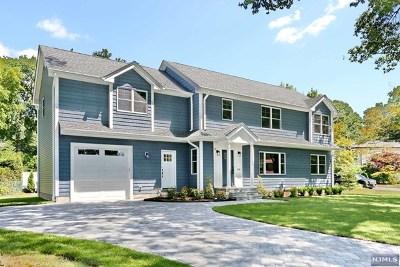 Paramus Single Family Home For Sale: 838 Alden Road