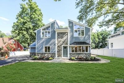 Paramus Single Family Home For Sale: 64 Harvey Avenue