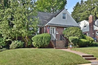 Bergen County Single Family Home For Sale: 68 Oak Street