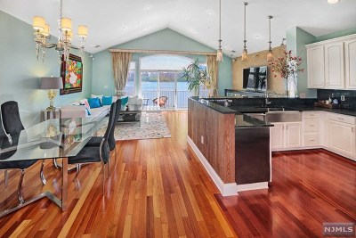 Guttenberg NJ Condo/Townhouse For Sale: $1,399,000