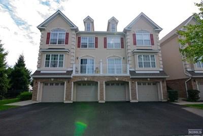 Secaucus NJ Condo/Townhouse For Sale: $550,000