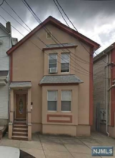 Multi Family 2-4 For Sale: 219 Cleveland Avenue