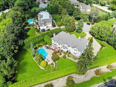 Franklin Lakes Single Family Home For Sale: 116 Garden Court