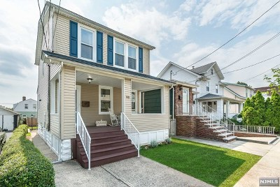 Bergen County Single Family Home For Sale: 90 Morgan Place