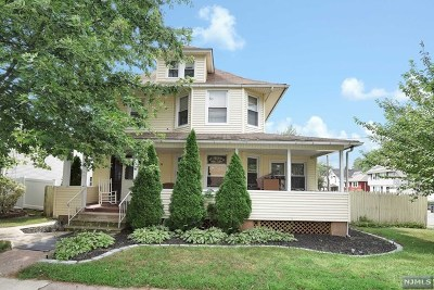 Bergenfield Single Family Home For Sale: 38 East Clinton Avenue