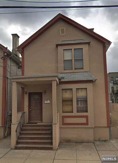 Multi Family 2-4 For Sale: 217 Cleveland Avenue