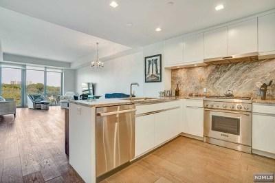 Cliffside Park Condo/Townhouse For Sale: 320 Adolphus Avenue #702
