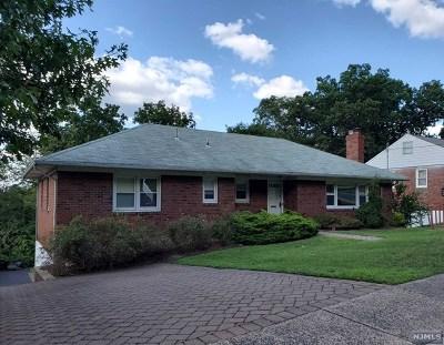 Fair Lawn Single Family Home For Sale: 34-09 Hillside Terrace