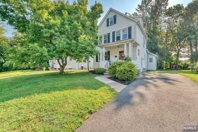 River Edge Single Family Home For Sale: 586 Center Avenue