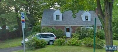 Tenafly Single Family Home For Sale: 603 Knickerbocker Road