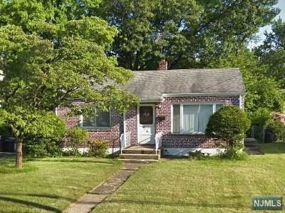 Bergenfield Single Family Home For Sale: 292 Merritt Avenue