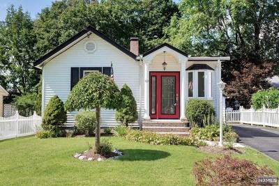 Paramus Single Family Home For Sale: 43 Mackay Avenue