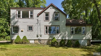 Bloomingdale Single Family Home For Sale: 288 Macopin Road