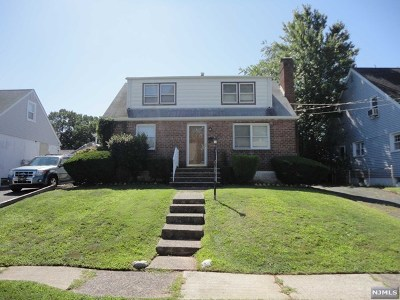 Saddle Brook Single Family Home For Sale: 306 Schepis Avenue