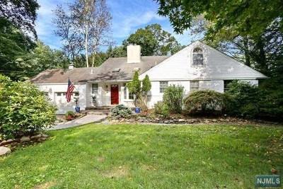 Upper Saddle River Single Family Home For Sale: 39 Lilline Lane