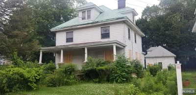 Englewood Single Family Home For Sale: 50 Lafayette Avenue