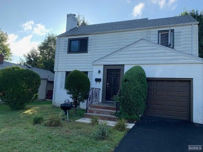 Hackensack Single Family Home For Sale: 800 Summit Avenue