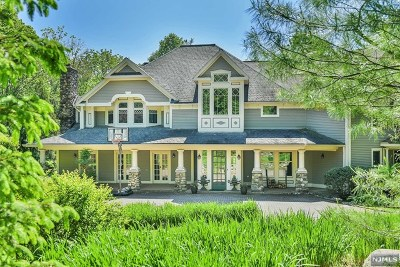 Upper Saddle River Single Family Home For Sale: 424 West Saddle River Road