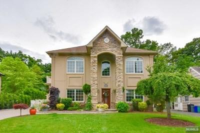 Midland Park Single Family Home For Sale: 87 Pine Street