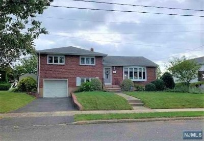 Dumont Single Family Home For Sale: 81 Pearl Street