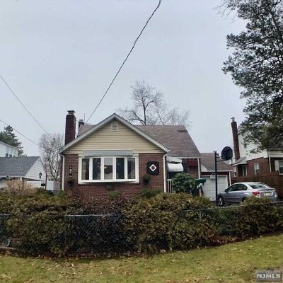 Dumont Single Family Home For Sale: 260 Grant Avenue