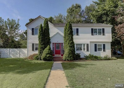 Paramus Single Family Home For Sale: 84 Legion Place