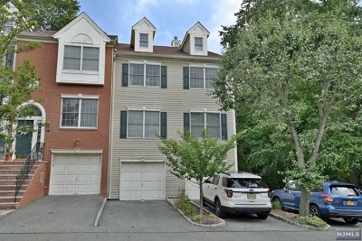 Ramsey Condo/Townhouse For Sale: 628 Fairfax Drive