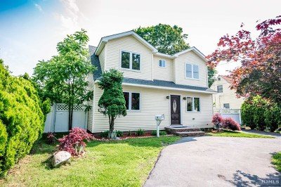 Wanaque Single Family Home For Sale: 14 Decker Road