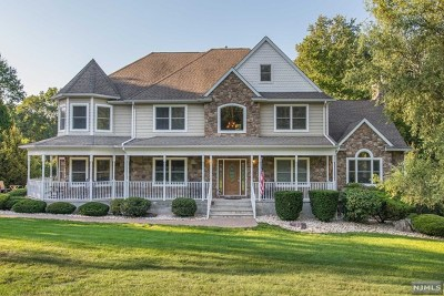 Morris County Single Family Home For Sale: 42 Bellows Lane