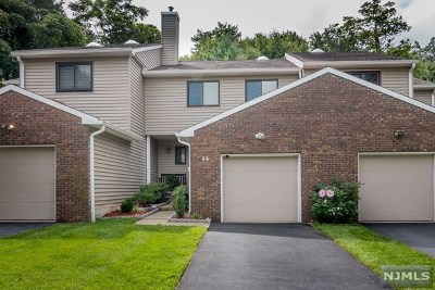 Wayne Condo/Townhouse For Sale: 44 Littlewood Court #44