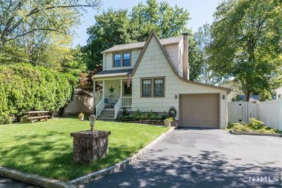 Hillsdale Single Family Home For Sale: 44 Palm Street