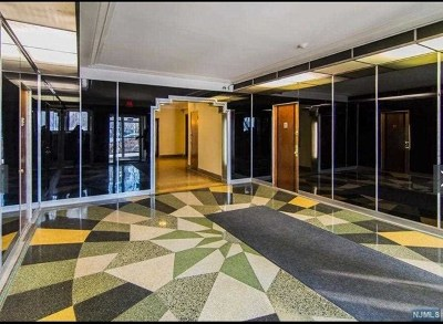 Hudson County Condo/Townhouse For Sale: 7427 Boulevard East #33