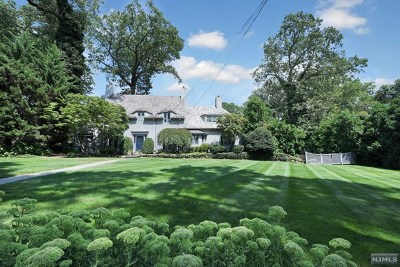 Ridgewood Single Family Home For Sale: 327 McKinley Place