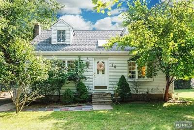 Hillsdale Single Family Home For Sale: 24 Schumacher Avenue
