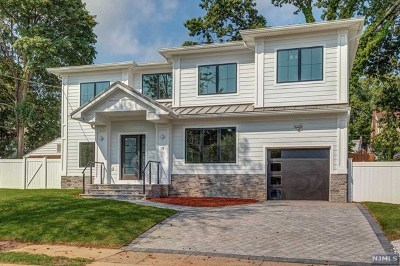 Bergenfield Single Family Home For Sale: 18 Sussex Road