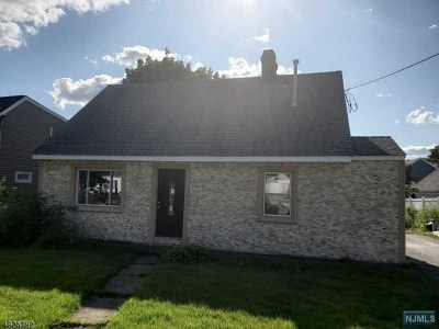 Hawthorne Single Family Home For Sale: 51 Kaywin Avenue
