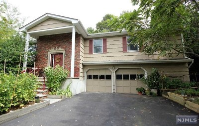 Wanaque Single Family Home For Sale: 40 Schirra Drive