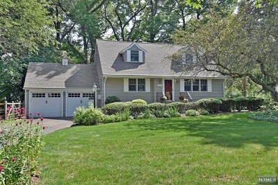 Ridgewood Single Family Home For Sale: 156 Bellair Road
