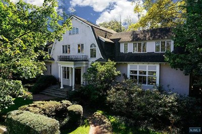 Essex County Single Family Home For Sale: 54 Melrose Place