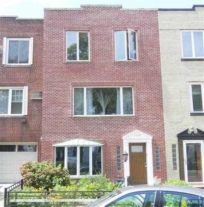 Hudson County Multi Family 2-4 For Sale: 5509 Boulevard East