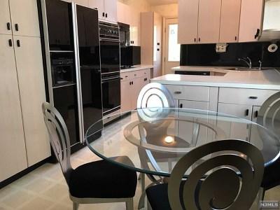 Teaneck Single Family Home For Sale: 33 Bogert Street