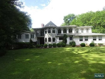 Closter Single Family Home For Sale: 51 Hickory Lane
