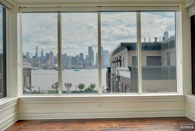 Hudson County Condo/Townhouse For Sale: 30 Cambridge Way