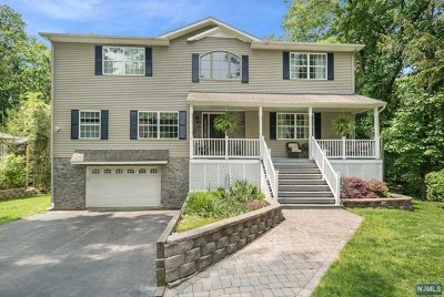 Wayne Single Family Home For Sale: 27 Forest Terrace