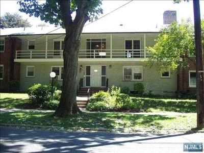 Fair Lawn Condo/Townhouse For Sale: 25-18 High Street #A