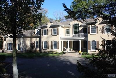 Upper Saddle River Single Family Home For Sale: 468 West Saddle River Road