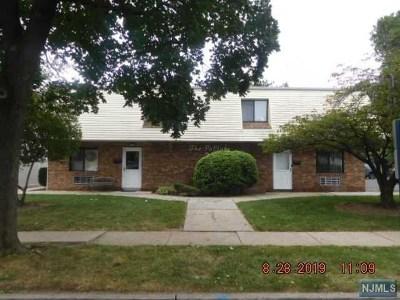 Hackensack Condo/Townhouse For Sale: 33 Poplar Avenue #11